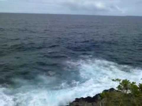 FISHING GROUNDS OFF OF THE SCENIC ROUTE AT PAPAIKOU HAWAII, USA 2.3gp