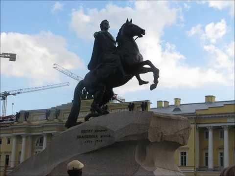Изображение предпросмотра прочтения – ДарьяСмирнова читает произведение «Город на Неве» А.И.Солженицына