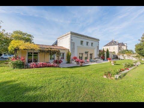 La Rochelle - Charente-Maritime : Maison et domaine à vendre ref : 75067NML17