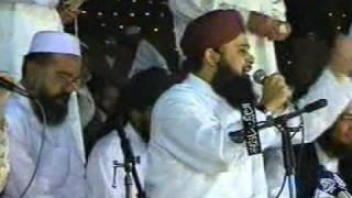 Kaliyan Zulfan Wala - Owais Raza Qadri   - Mehfil-e-Naat At Jhelum 2006