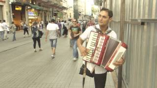 Istanbul street music - Florin