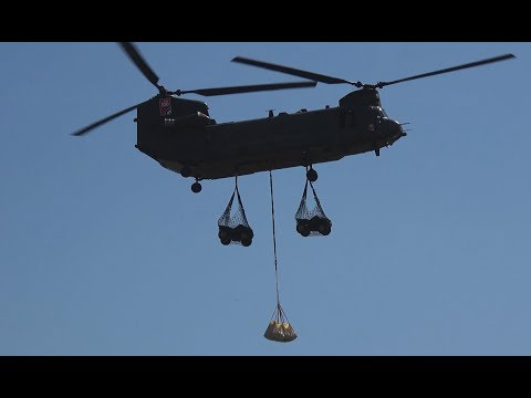 4K | Boeing CH - 47 Chinook in Heavy Lift Action