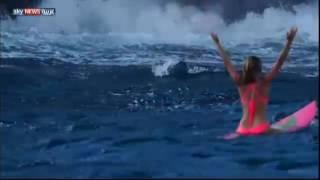 فيديو.. أمريكية تسبح وسط الحمم البركانية