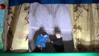 阿賀野市の光円寺住職、渡辺 豊氏による指人形劇を収めました。64年続けている人形劇。素朴でウィットに富み、心に残る人形劇。