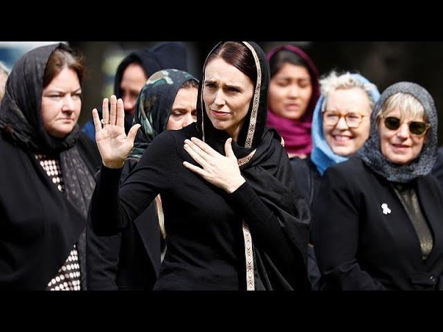 Yeni Zelanda kenetlendi: Cuma namazı canlı yayınlandı, Başbakan Ardern hadis okudu