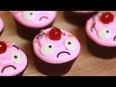 Generate HOW TO MAKE LULU CUPCAKES - NERDY NUMMIES Pics