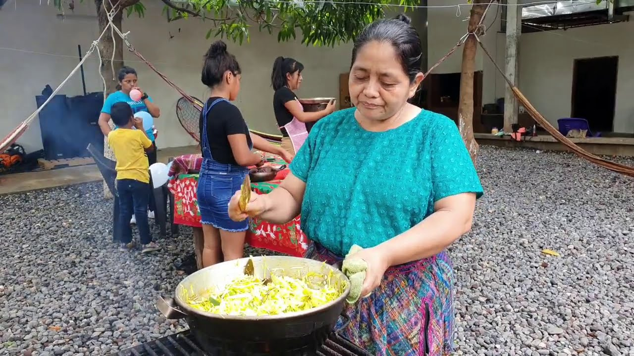 CHIKI le Feliz Cocina Con MÍ MAMÁ Para MAWICH 😇
