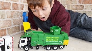 Garbage Truck Videos For Children l Unboxing Curotto Can Slammin Eagle l Garbage Trucks Rule