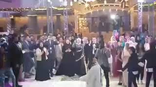 العروسه ولعت الفرح على مهرجان وله الصحاب يلاا