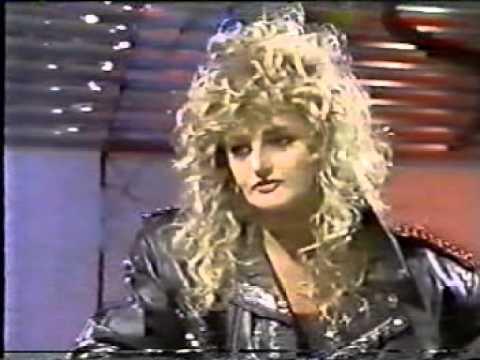 Bonnie Tyler - Interview - UK TV Rock Program - 1988