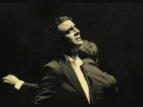 "Rolando Villazon sings ""Je Crois Entendre Encore"""