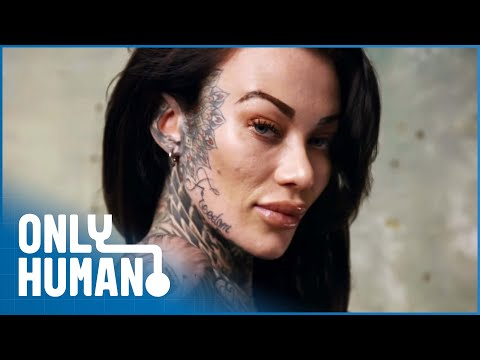 When This Woman Covers Her Tattoos the Reactions Are Very Different | Only Human
