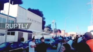 شاهد.. سلسلة انفجارات في مصنع كيميائي بإسبانيا