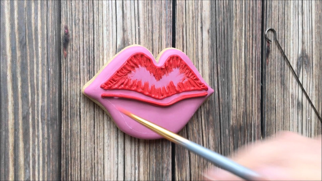how to use lip brush