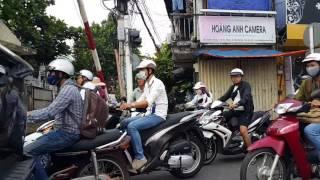 Đường ray xe lửa Sài Gòn chạy dọc  từ Phú Nhuận đến Hòa Hưng, sáng ngày 20.3.2017(4)