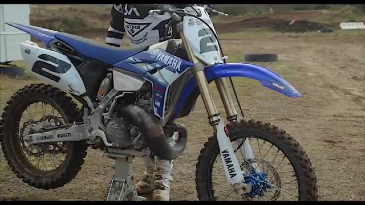 Tony cooksley yamaha yz250 2 stroke gp special youtube for Yamaha yz250 2 stroke