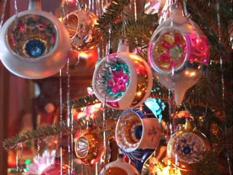 My 1950s Christmas tree on a snowy morning - YouTube