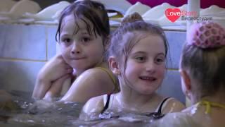 Праздник на воде в детском саду(Праздник на воде в детском саду. DSLR-видеосъемка в три камеры с использованием операторского крана. Професси..., 2013-07-03T18:46:59.000Z)