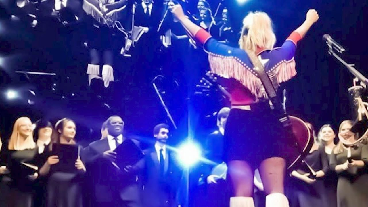 Miranda Lambert Just Let a High School Choir Steal Her Show