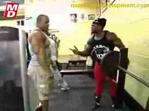 Victor Martinez and Kai Greene Train Arms Part 3