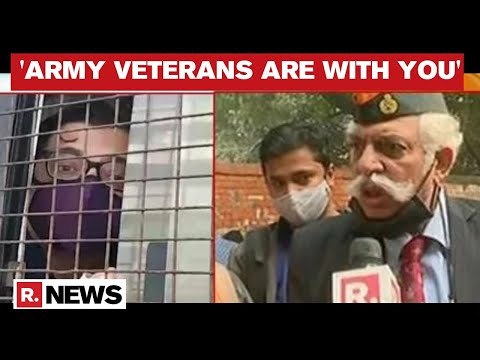 'They Attacked An Army Officer's Son': GD Bakshi Roars Against Arnab Goswami's Arrest