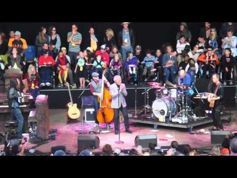 Tom Jones, Delilah, 28th Annual Bridge School Benefit Concert 2014