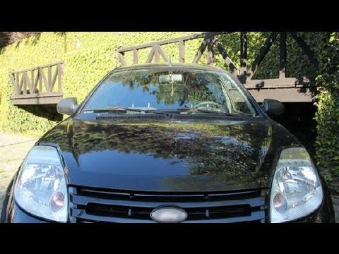 C mo cambiar el faro de un coche doovi - Reparar cristales rayados ...