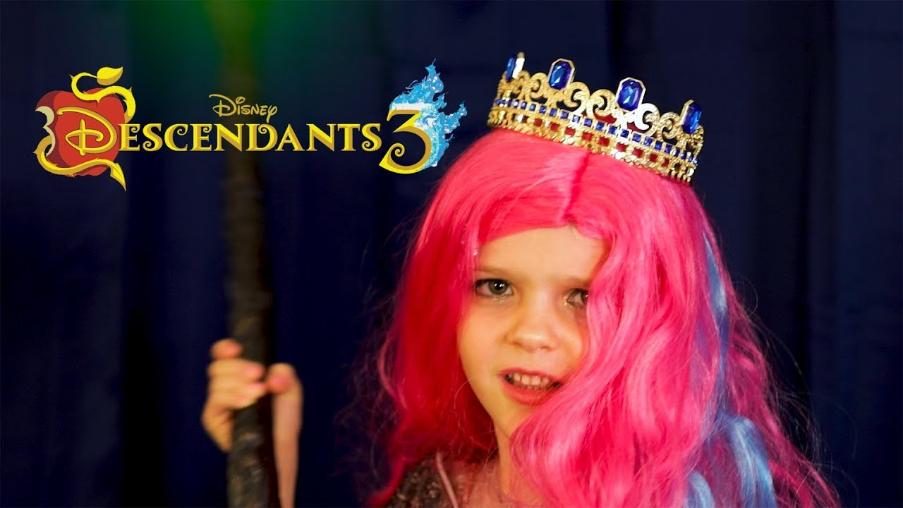 Download Descendants 3 -- Queen Of Mean -- by Miriam at 5 years old