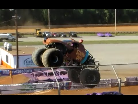 Scooby Doo Monster Jam  Freestyle @ Hagerstown 2016 Speedway Sunday