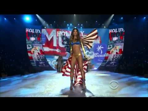 BRUNO MARS: Locked out of Heaven (Best Song Ema 2013) (Live Victoria's Secret Fashion) - HQ