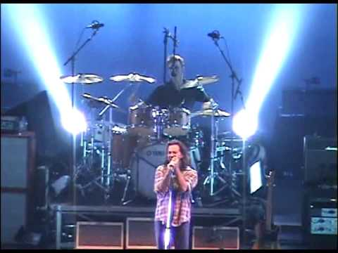 Pearl Jam - Army Reserve (Grand Rapids, 2006)