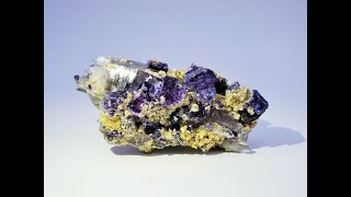 Fluorite with Muscovite and Arsenopyrite from Yaogangxian Mine, China