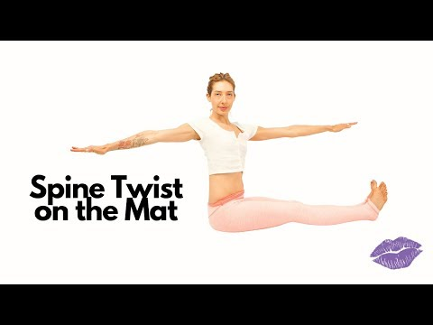 Spine Twist on the Mat | Online Pilates Classes