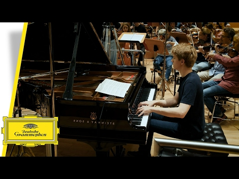 Jan Lisiecki - Chopin: Works for Piano & Orchestra (Trailer)