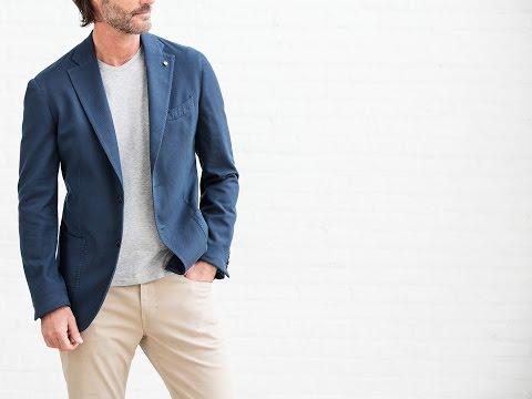 How to wear a t-shirt under a blazer