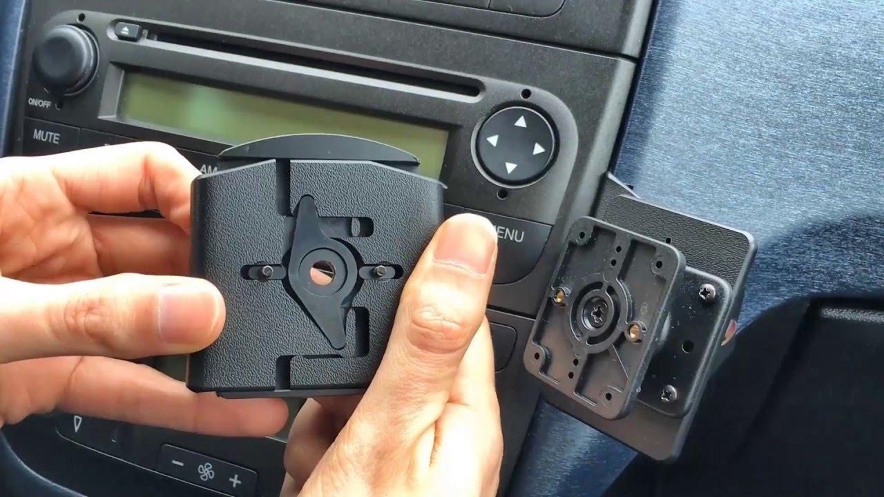 Z333240 Gerippte Kofferraumwanne Klett-Netz für Fiat Grande Punto Emotion Typ