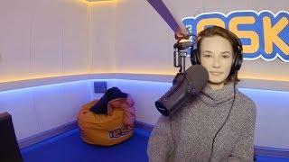 Natalia Szroeder śpiewa po tajsku w Radio Eska