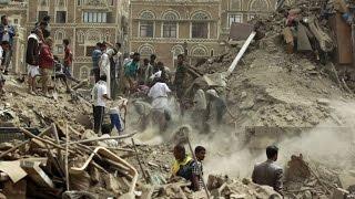 طفل يمني دفنه قصف السعودية لكنه لم يمت   سبحان الله