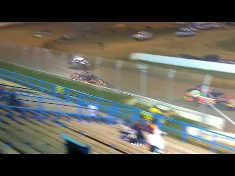 Modified feature race at Florence speedway 10/7/17