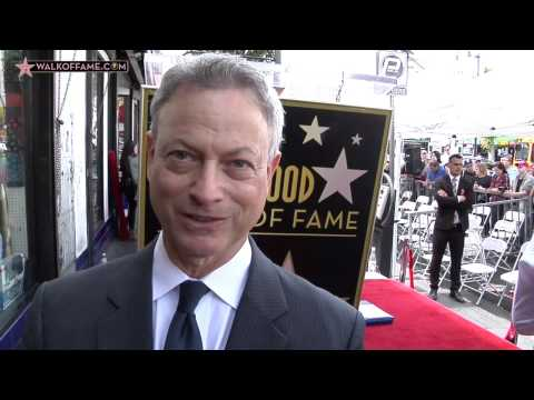 ACTOR GARY SINISE HONORED WITH HOLLYWOOD WALK OF FAME STAR