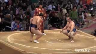 2015九州場所での勢 vs 阿夢露の取組。勢が押し出しで阿夢露に勝った一番。