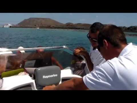 250 HP Fast boat trip around Isla Lobos Fuerteventura with Fuerte Charter 4/8/2014