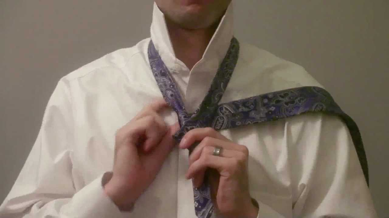 How To Tie A Windsor Knot (original)