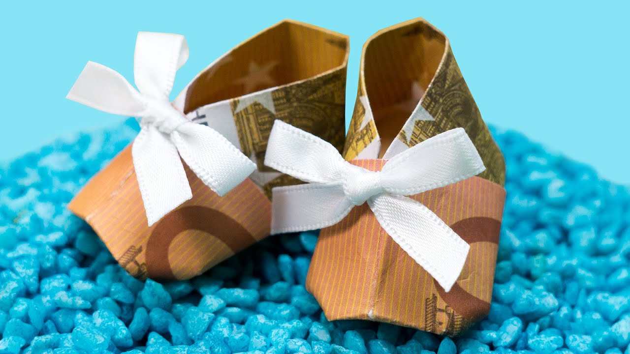 Origami money booties how to make paper money shoes diy baby shower gift idea youtube - Bastelideen zur taufe ...