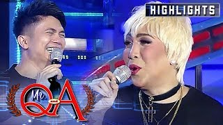 Vhong gets nervous about Vice Ganda's punchline | It's Showtime Mr. Q and A