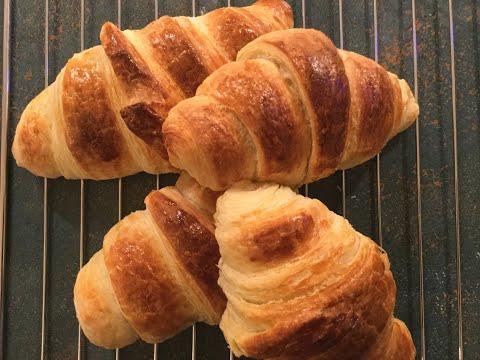 croissants-au-beurre---butter-croissant