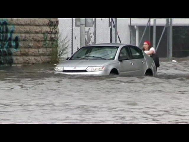 США: Детройт оказался под водой