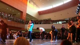 IaMmE Crew @ SM Fairview (Paper Dance)