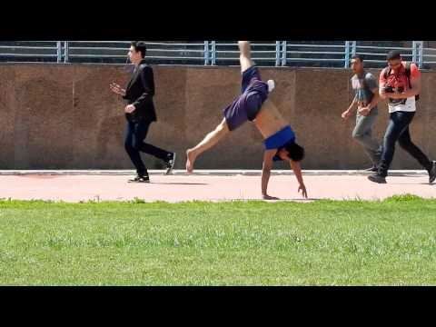 Most cartwheels in one minute 71 ( guinness world records)