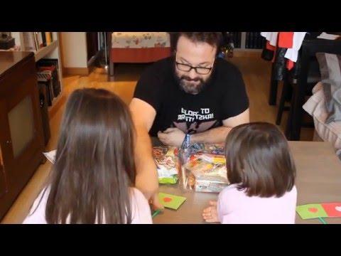 Probando chucherías japonesas con mis hijas